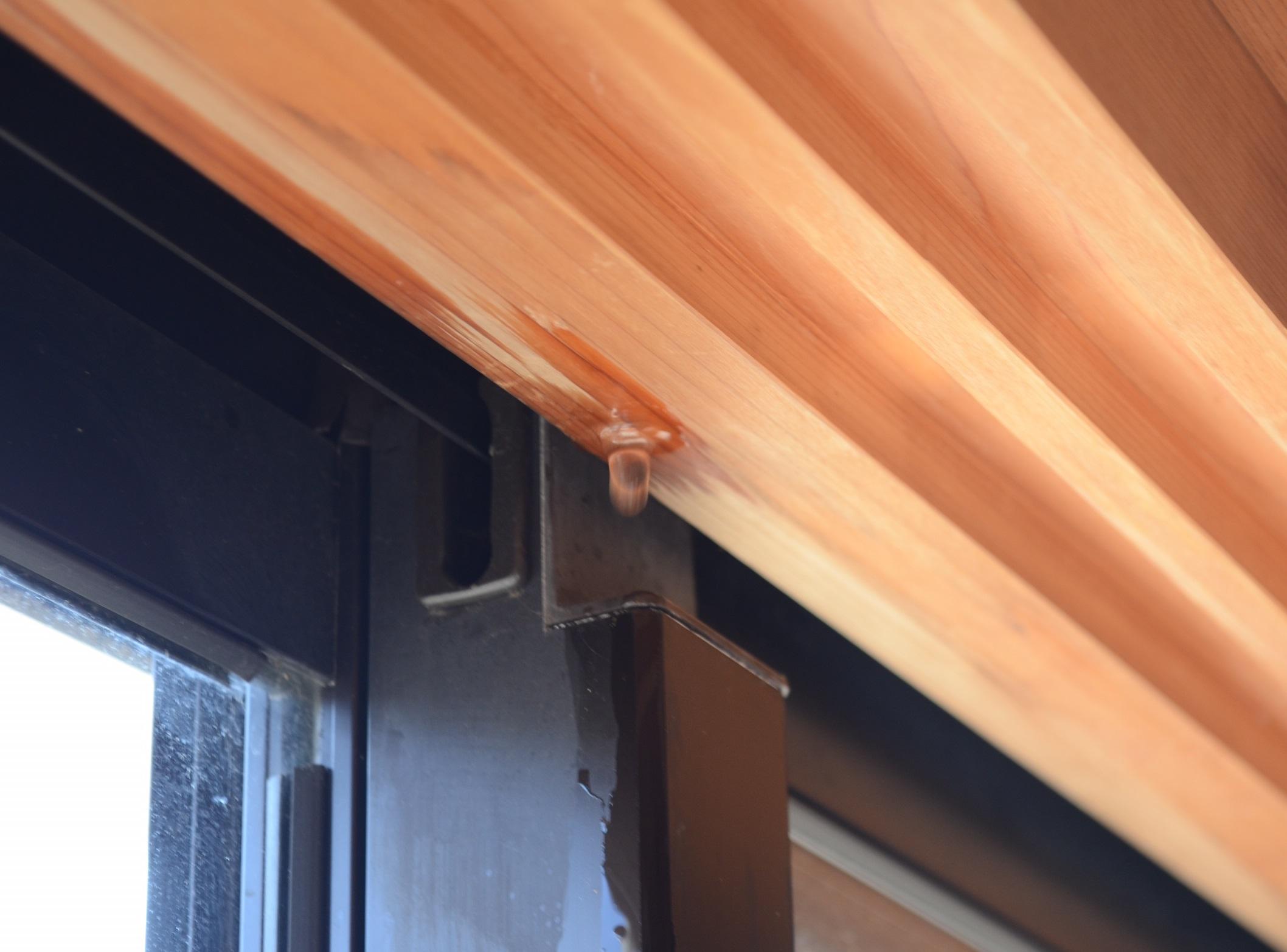横殴りの雨の時、窓サッシから雨漏りする