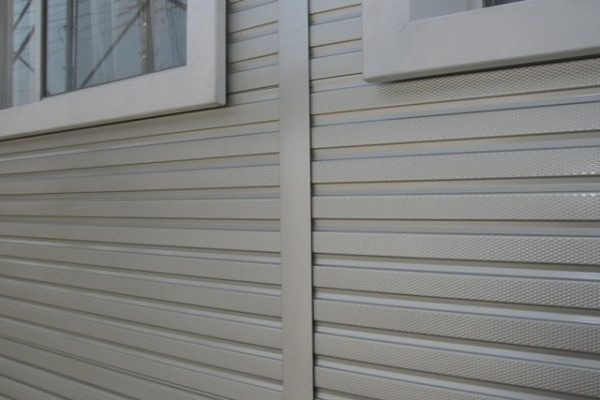 外壁材 ガルバリウム